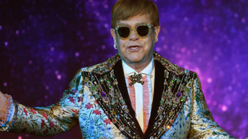 Elton John, goodbye tour in total Gucci