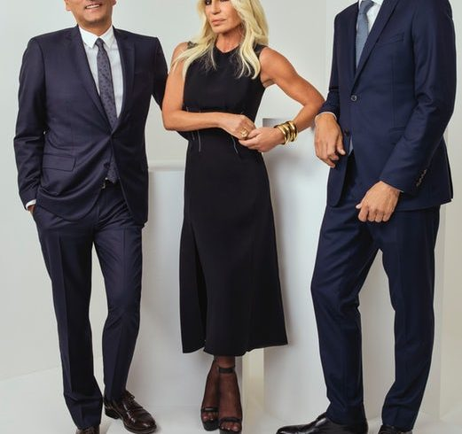 Michael Kors gets 100% of Versace, the details of the most interesting agreement of the season