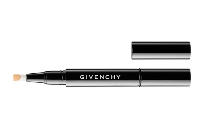 It's the era of no gender, also for Givenchy: at the start a unisex makeup line
