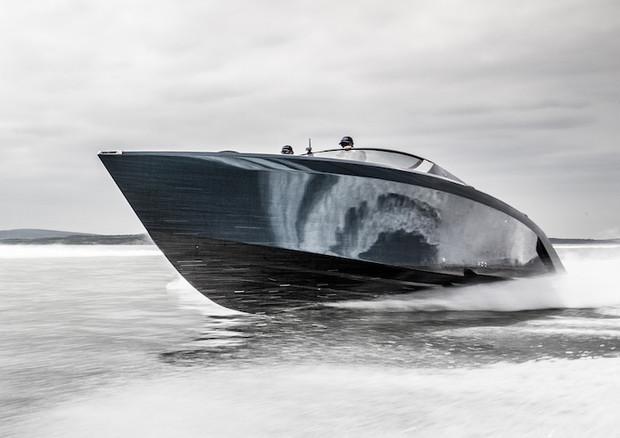 Al via consegne per l'Aston Martin dei mari