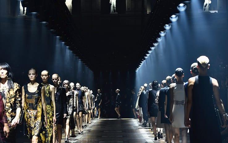Anteprime e celebrazioni : Parigi torna protagonista con la Fashion Week