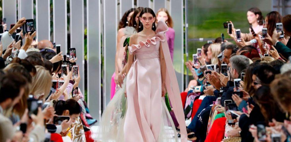 Valentino s/s 2018 fashion show