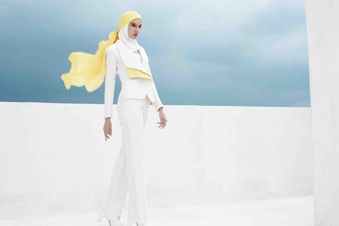 Contemporary Islamic fashion: Muslim women, referees of style, inside and outside their communities