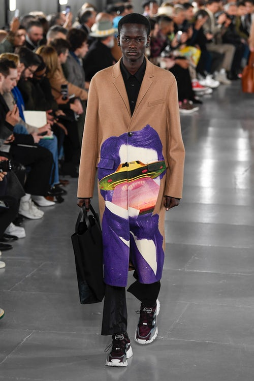 Valentino, between street couture and freedom