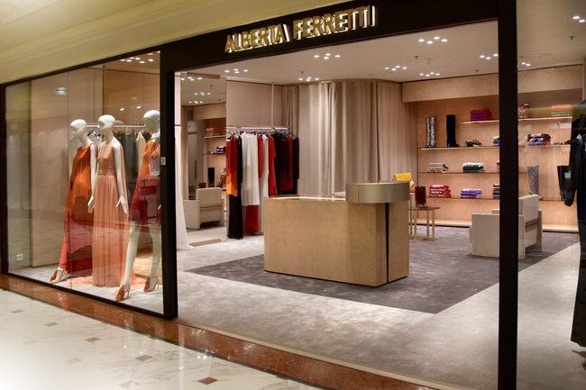 Alberta Ferretti opens in Montecarlo