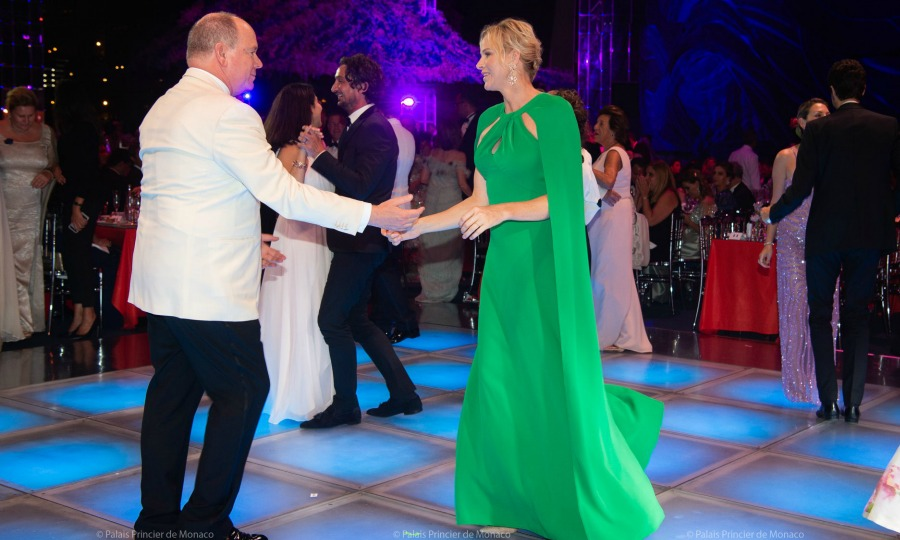 Charlene and Alberto di Monaco are very elegant at the 71st Gala of the Monegasque Red Cross