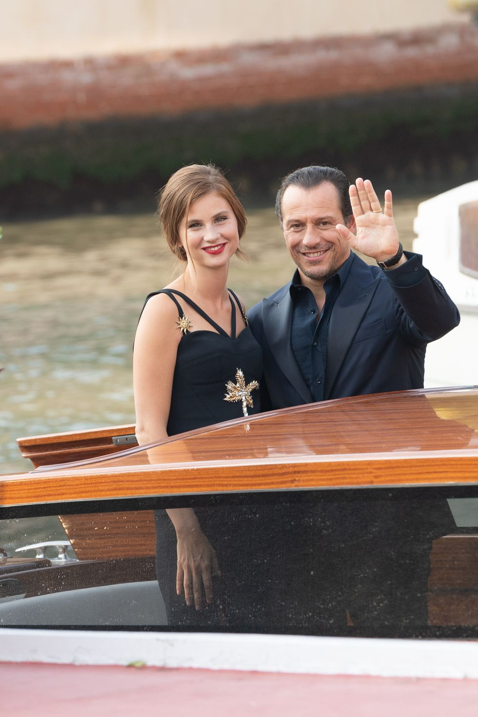 Beautiful, stylish and very in love: Stefano and Bianca complicate the contest on the most beautiful couples of Venice 2019, which already seemed to have its winners…