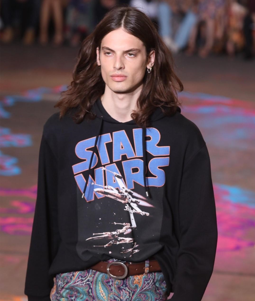 Etro spring-summer 2020, from Star Wars to the deserts of the Earth