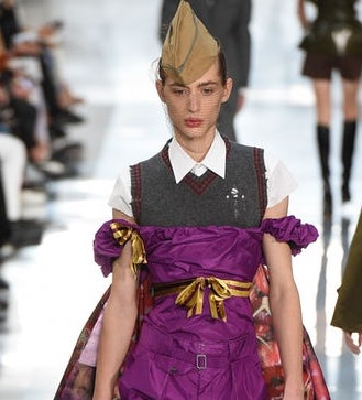 Maison Margiela, the Galliano catwalk becomes genderless like the Snatched bag