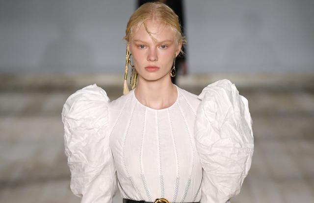 alexander-mcqueen-rtw-spring-2020-paris-fashion-week-pfw-001-1.jpg