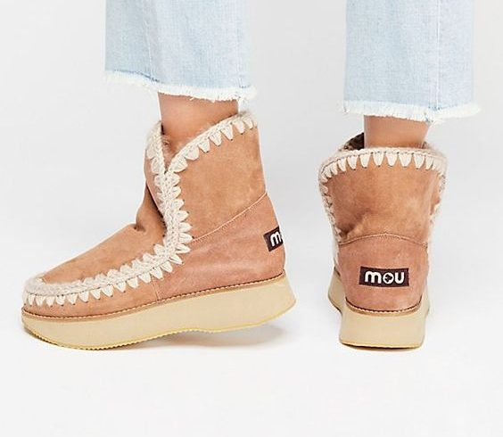 "Michele Franzese Moda presents ""Mou Vibes"", the new winter collection of Mou footwear"