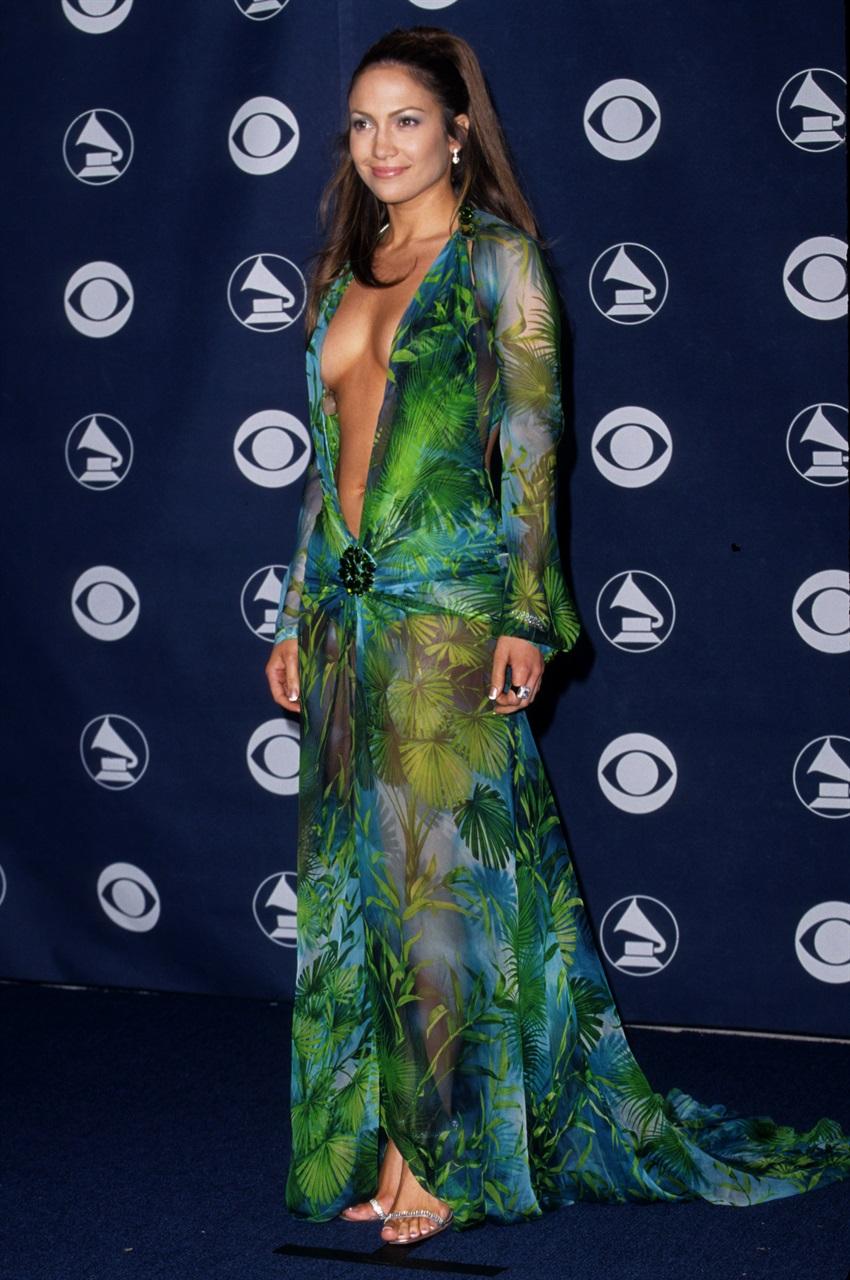 Jennifer Lopez & Kendall Jenner in the new Versace campaign, it's Jungle dress mood