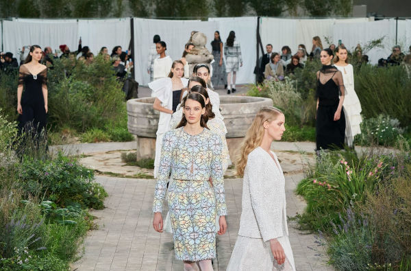 Chanel cancels fashion show in Capri