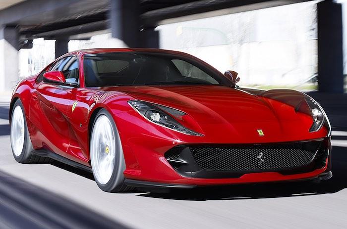 Ferrari debuts in luxury fashion: show in mid-June in Maranello