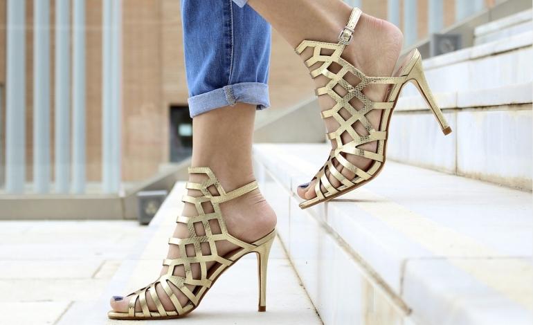 America restarts with high heels