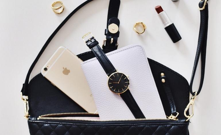 Luxury, one third of sales online in 2025