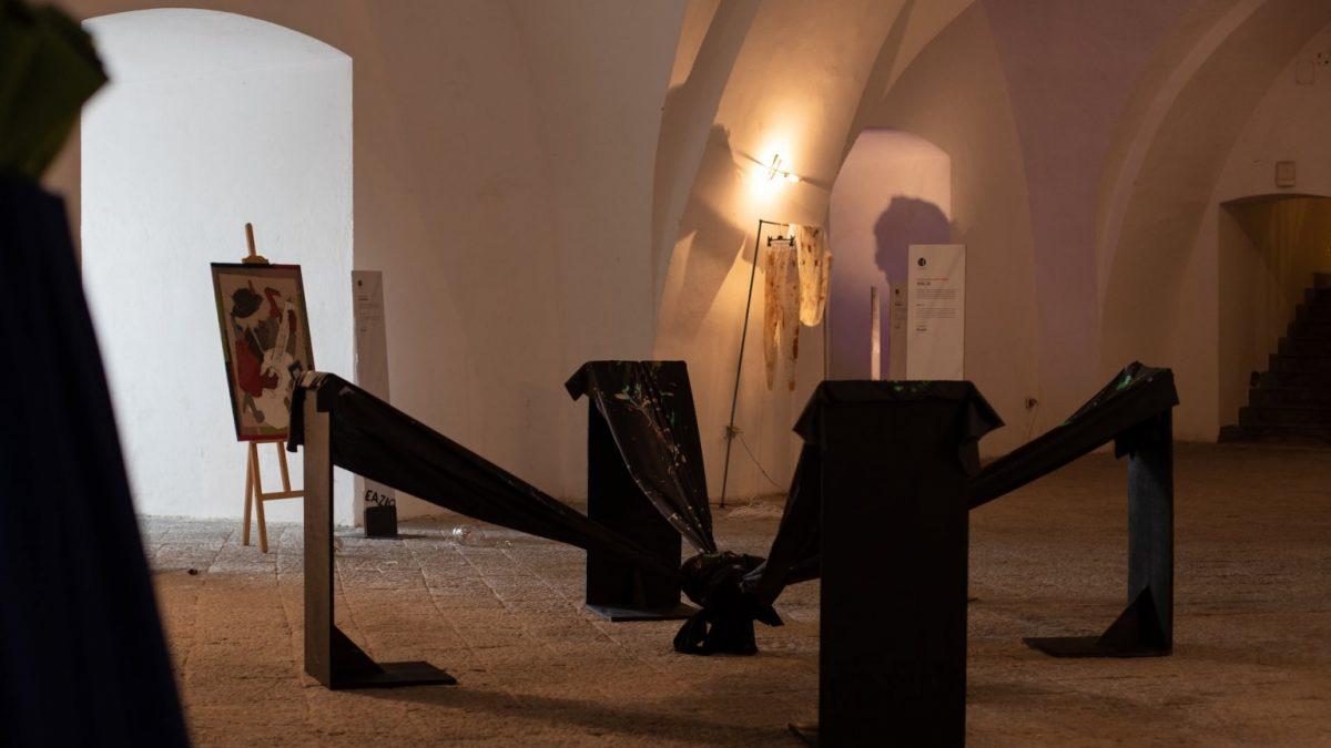 """Accademia della Moda (Iuad) """"Plot actions"""" in Naples, Castel dell'Ovo"""